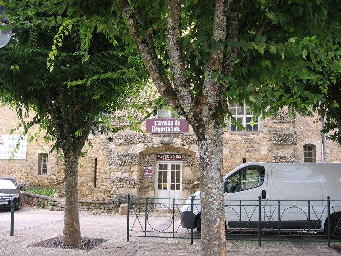cobblestones and vineyards