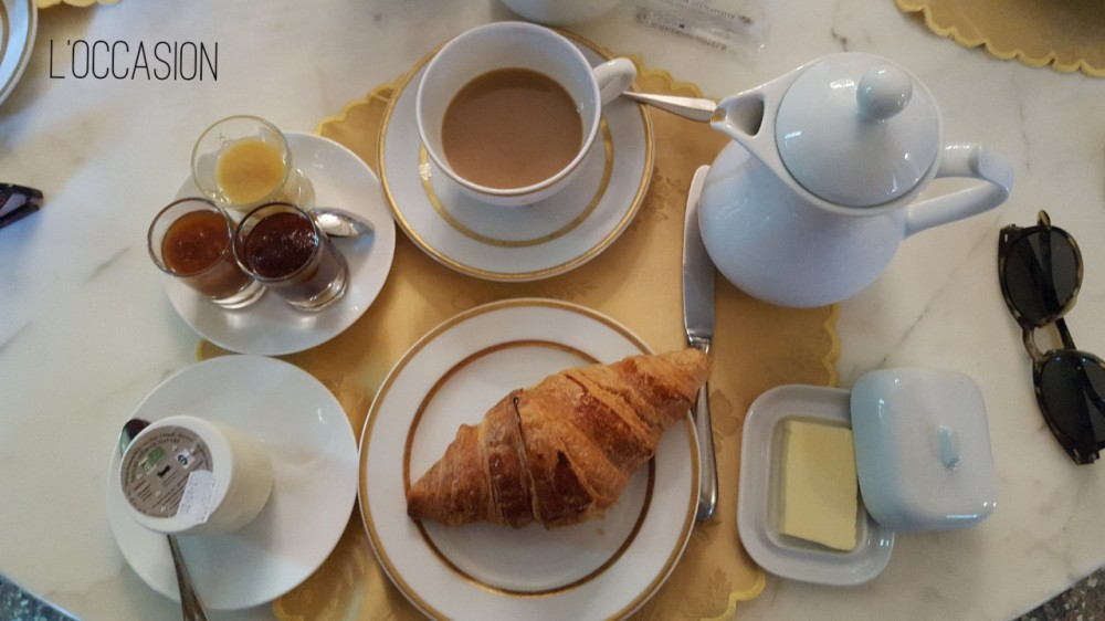 Croissant, French butter, French café